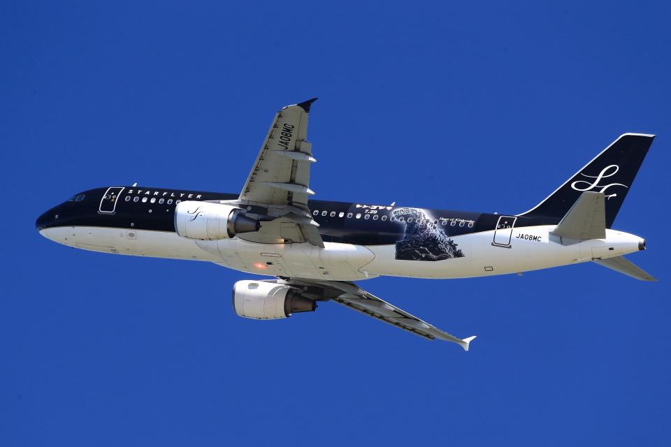 T.Sazenさんのスターフライヤー Airbus A320 (JA08MC) 航空フォト