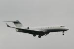 camelliaさんが、成田国際空港で撮影したクレイ・レイシー・アヴィエーション BD-700 Global Express/5000/6000の航空フォト(写真)