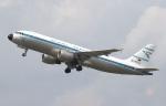 voyagerさんが、デュッセルドルフ国際空港で撮影したコンドル A320-212の航空フォト(飛行機 写真・画像)