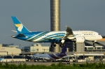 RUSSIANSKIさんが、スワンナプーム国際空港で撮影したオマーン航空 787-8 Dreamlinerの航空フォト(飛行機 写真・画像)