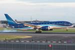 Tomo-Papaさんが、ロンドン・ヒースロー空港で撮影したアゼルバイジャン航空 787-8 Dreamlinerの航空フォト(写真)