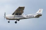 りんたろうさんが、フランクフルト・エーゲルスバッハ空港で撮影したHessenflieger Darmstadt 172R Skyhawkの航空フォト(写真)