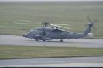 Koenig117さんが、嘉手納飛行場で撮影したアメリカ海軍 HH-60H (S-70B-5)の航空フォト(写真)