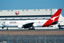 トロピカルさんが、成田国際空港で撮影したカンタス航空 767-238/ERの航空フォト(飛行機 写真・画像)