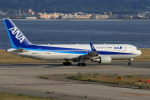 ★azusa★さんが、関西国際空港で撮影した全日空 767-381/ERの航空フォト(写真)