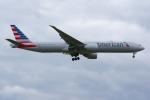 PASSENGERさんが、ロンドン・ヒースロー空港で撮影したアメリカン航空 777-323/ERの航空フォト(写真)