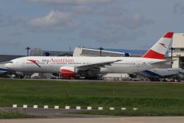 Bulu minさんが、成田国際空港で撮影したオーストリア航空 777-2B8/ERの航空フォト(写真)