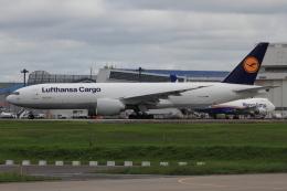 Bulu minさんが、成田国際空港で撮影したルフトハンザ・カーゴ 777-FBTの航空フォト(写真)