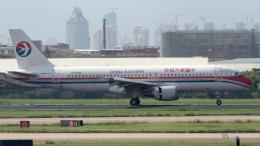 coolinsjpさんが、廈門高崎国際空港で撮影した中国東方航空 A320-214の航空フォト(飛行機 写真・画像)