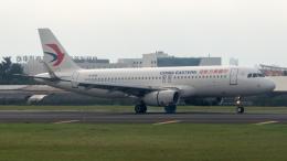 coolinsjpさんが、廈門高崎国際空港で撮影した中国東方航空 A320-232の航空フォト(飛行機 写真・画像)