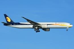 RUSSIANSKIさんが、シンガポール・チャンギ国際空港で撮影したジェットエアウェイズ 777-35R/ERの航空フォト(写真)