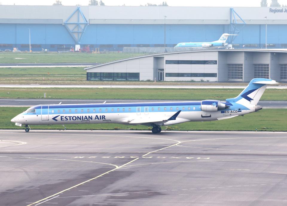 voyagerさんのエストニアン・エア Bombardier CRJ-900 (ES-ACD) 航空フォト