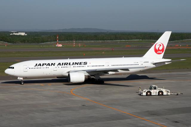 Echo-Kiloさんが、新千歳空港で撮影した日本航空 777-246の航空フォト(飛行機 写真・画像)