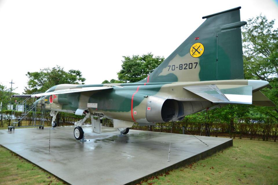 md11jbirdさんの航空自衛隊 Mitsubishi F-1 (70-8207) 航空フォト