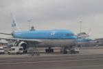 セブンさんが、アムステルダム・スキポール国際空港で撮影したKLMオランダ航空 A330-203の航空フォト(飛行機 写真・画像)