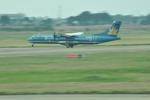 snow_shinさんが、タンソンニャット国際空港で撮影したベトナム航空 ATR-72-500 (ATR-72-212A)の航空フォト(飛行機 写真・画像)