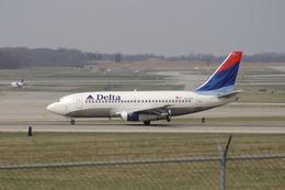 tame24さんが、シンシナティ・ノーザンケンタッキー国際空港で撮影したデルタ航空 737-232/Advの航空フォト(飛行機 写真・画像)