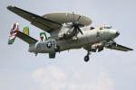 チャッピー・シミズさんが、厚木飛行場で撮影したペルー海軍 E-2C Hawkeyeの航空フォト(写真)