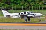 Dojalanaさんが、函館空港で撮影した航空大学校 G58 Baronの航空フォト(飛行機 写真・画像)
