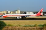 RUSSIANSKIさんが、リスボン・ウンベルト・デルガード空港で撮影したTAAGアンゴラ航空 777-3M2/ERの航空フォト(飛行機 写真・画像)