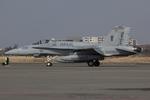 Scotchさんが、厚木飛行場で撮影したアメリカ海兵隊 F/A-18A Hornetの航空フォト(写真)