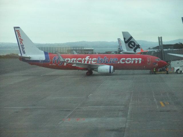 職業旅人さんが、オークランド空港で撮影したパシフィック・ブルー 737-8FEの航空フォト(飛行機 写真・画像)