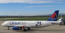 Take51さんが、ザグレブ空港で撮影したオヌール・エア A320-232の航空フォト(飛行機 写真・画像)