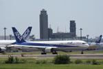 つねさんが、成田国際空港で撮影した全日空 767-381/ERの航空フォト(写真)