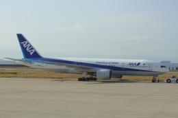 しんさんが、神戸空港で撮影した全日空 777-281の航空フォト(写真)