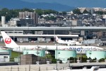 JAA DC-8さんが、伊丹空港で撮影した日本航空 777-346の航空フォト(飛行機 写真・画像)