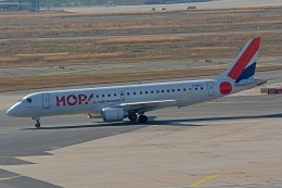 k-spotterさんが、フランクフルト国際空港で撮影したエールフランス・オップ! ERJ-190-100 LR (ERJ-190LR)の航空フォト(飛行機 写真・画像)