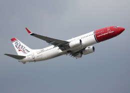 voyagerさんが、ロンドン・ガトウィック空港で撮影したノルウェー・エアシャトル 737-8Q8の航空フォト(写真)