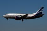 ぼんやりしまちゃんさんが、バルセロナ空港で撮影したノルダヴィア 737-53Cの航空フォト(写真)