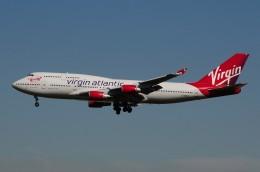 ぼんやりしまちゃんさんが、ロンドン・ガトウィック空港で撮影したヴァージン・アトランティック航空 747-443の航空フォト(飛行機 写真・画像)