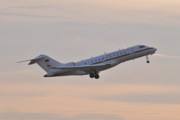Orange linerさんが、成田国際空港で撮影したドイツ空軍 BD-700-1A11 Global 5000の航空フォト(飛行機 写真・画像)