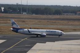しかばねさんが、フランクフルト国際空港で撮影したアナドルジェット 737-86Jの航空フォト(飛行機 写真・画像)