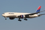 肉食獣さんが、成田国際空港で撮影したデルタ航空 777-232/ERの航空フォト(写真)