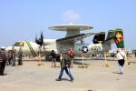 Koenig117さんが、厚木飛行場で撮影したアメリカ海軍 E-2C Hawkeyeの航空フォト(写真)