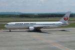 セブンさんが、新千歳空港で撮影した日本航空 767-346の航空フォト(飛行機 写真・画像)