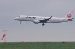 サボリーマンさんが、松山空港で撮影したジェイ・エア ERJ-190-100(ERJ-190STD)の航空フォト(飛行機 写真・画像)
