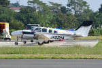 tsubasa0624さんが、ホンダエアポートで撮影した本田航空 Baron G58の航空フォト(飛行機 写真・画像)
