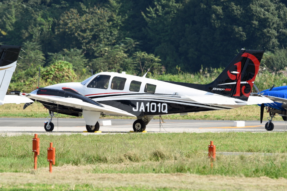 tsubasa0624さんの日本法人所有 Beechcraft 58 Baron (JA101Q) 航空フォト