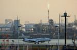 take_2014さんが、羽田空港で撮影した日本航空 737-846の航空フォト(飛行機 写真・画像)