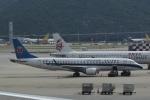 LEGACY-747さんが、香港国際空港で撮影した中国南方航空 ERJ-190-100 LR (ERJ-190LR)の航空フォト(写真)