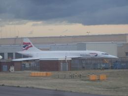 TUILANYAKSUさんが、ロンドン・ヒースロー空港で撮影したブリティッシュ・エアウェイズ Concorde 102の航空フォト(飛行機 写真・画像)