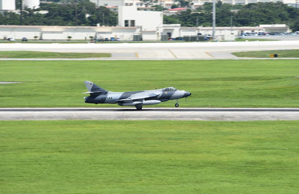 kumagorouさんのATAC Hawker Siddeley Hawker Hunter (N321AX) 航空フォト
