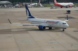 みっちゃんさんが、デュッセルドルフ国際空港で撮影したアナドルジェット 737-8F2の航空フォト(飛行機 写真・画像)