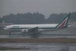 セブンさんが、成田国際空港で撮影したアリタリア航空 777-243/ERの航空フォト(飛行機 写真・画像)