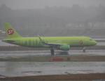 セブンさんが、成田国際空港で撮影したS7航空 A320-214の航空フォト(飛行機 写真・画像)