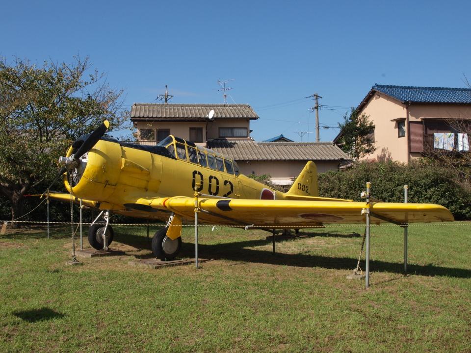 sanadaさんの航空自衛隊 North American T-6 Texan (52-0002) 航空フォト